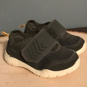 Carter's Toddler Boys Size 5 Olive Green Sneakers